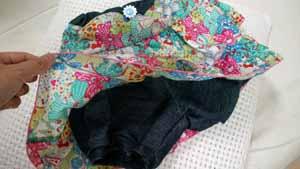 スカートの中は安心設計のズボンです!